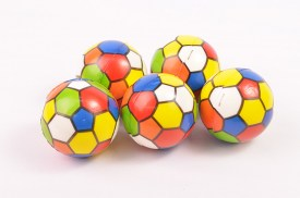 Pack 12 pelotas de goma hexagonos de colores.jpg